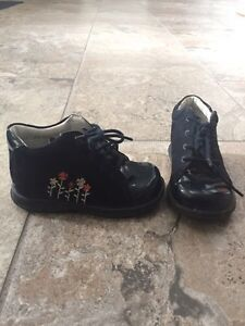 Little girl shoes and boots. Sizes 6,7,8 Kitchener / Waterloo Kitchener Area image 7