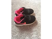 Nike trainers size 6 girls