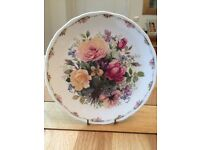 Excellent condition Royal Albert Collection Plate
