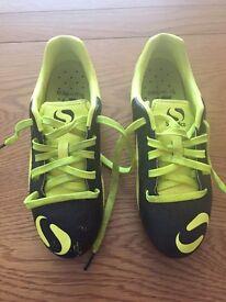 Sondico Size 1 Boys Football boots