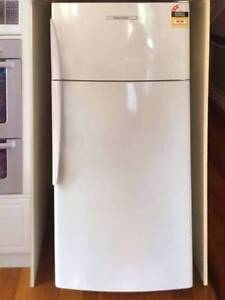 Fisher paykel fridge 380 L Glass shelving can delivery Box Hill Whitehorse Area Preview