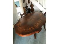 A ITALIAN STYLE MAHOGANY 4/6 SEATER DINING TABLE AND 4 CHAIRS ORIGINAL TO THE TABLE FREE DELIVERY