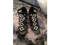 Brand new Steve Madden heels size 4