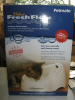 DELUXE FRESH FLOW PURIFYING PET FOUNTAIN