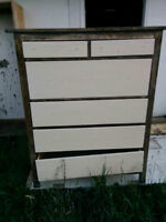 Free dresser come pick it up