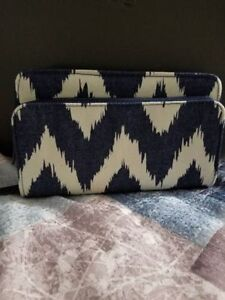 BRAND NEW - Thirty One Perfect Cents Wallet