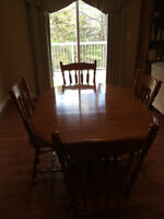 Solid Maple Dining Room Table and Chairs