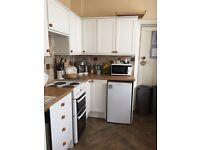 White Kitchen- great condition