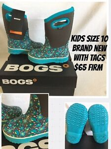 Kids size 10 Brand New Bogs