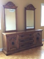 5 PIECE SOLID OAK STAINED BEDROOM SET