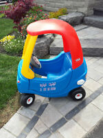 Kid Little Tikes Cozy Coupe Car