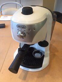 Delonghi ECC220.W espresso coffee machine