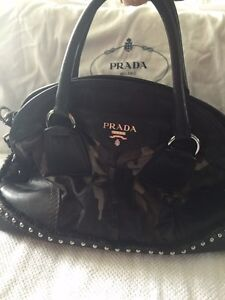 Authentic army Prada purse with studs West Island Greater Montréal image 2