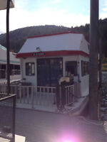 HOUSE BOATING ON THE SHUSWAP