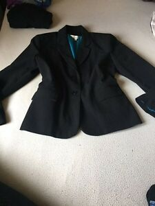 NEW - JESSICA BLACK BLAZER