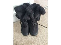 Ladies winter boots size 6 brand new