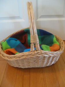 ADORABLE COARSELY-WOVEN HANDLED NATURAL-FINISHED PET BASKET