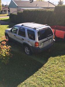 Ford escape 2002 XLT 4X4 Saguenay Saguenay-Lac-Saint-Jean image 2
