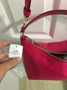 BNWT authentic COACH - with gift receipt, box, and bag Kitchener / Waterloo Kitchener Area image 3