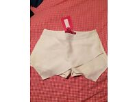 Boohoo White Skort - New with tags