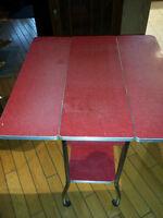 Vintage Table pliante rouge en formica et chrome