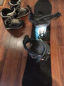 Planche de snow Rossignol et bottes Burton pour enfant