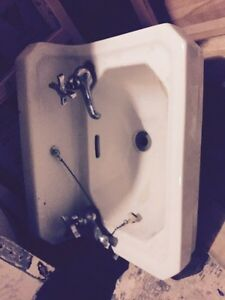 Vintage sink and Fossetts