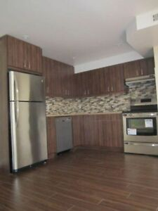 2 BEDROOM APARTMENT FOR RENT AT DUNDAS/OSSINGTON