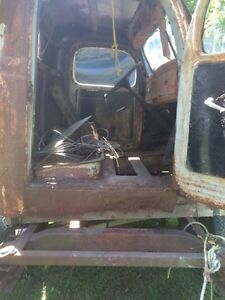 2 1944-49 dodge bodies  Cornwall Ontario image 3