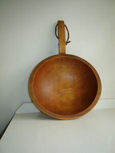 Baribocraft wooden server with handle and leather strap London Ontario image 3