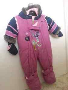 Brand new girl snow suit size 9 months