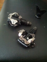 Shimano PD 520 Pedals with cleats for shoes