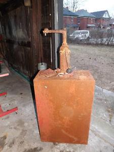 1930 BENNETT ANTIQUE OIL DISPENSER PUMP