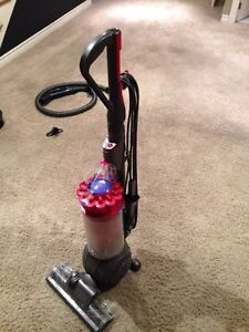 Broken Dyson DC43 vacuum -selling for parts