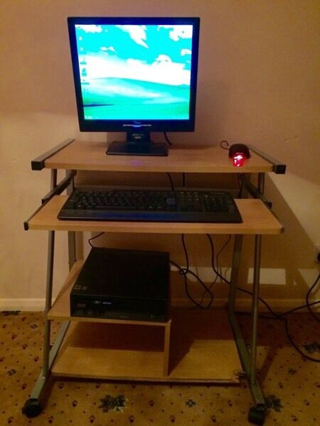 FULL COMPUTER SET WITH DESK AND CHAIR