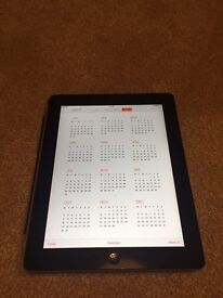 iPad 2 in excellent condition. Fully working.