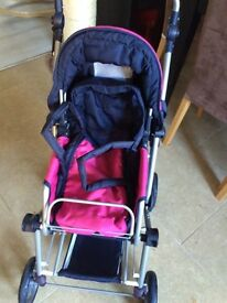 Gorgeous hardly used 3 way mini combo traveller pram for little big girls