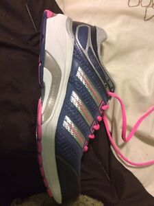 Woman's size 8 Adidas running shoes Belleville Belleville Area image 2