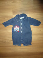 BABY BOYS CLOTHES - SIZE 0 to 3 MONTHS - $5.00 FOR LOT