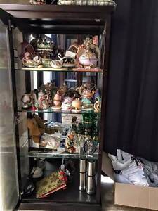 Display cabinet in excellent condition Edens Landing Logan Area Preview