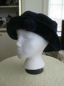 VINTAGE LADIES CASUAL HAT...DEEP RICH ROYAL BLUE