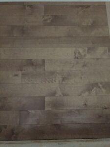 Plancher de bois franc 2.50/pc