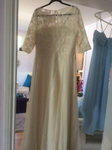Beautiful new formal champagne gown