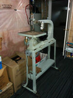 """Delta 24"""" older Scroll saw with metal stand"""