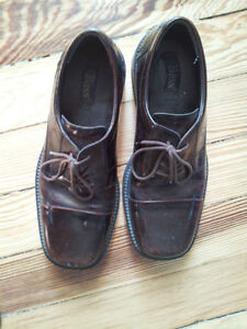 Mens Leather Dress Shoes - Bass size 9 1/2 London Ontario image 3