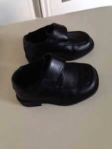Boys shoes size 5-7 London Ontario image 3