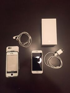 64 GB iPhone 6 Mint condition