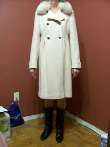 Lady's wool coat, like new