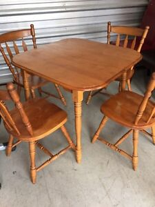 Solid wood table 4 chairs  London Ontario image 1