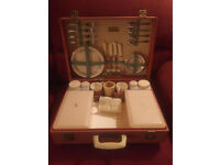 Vintage Sirram Picnic Case from around 1960. In amazing condition. Two items missing